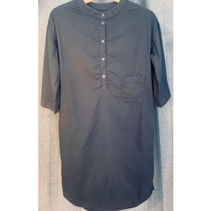 by basics kjole - mørkegrå (poplin)