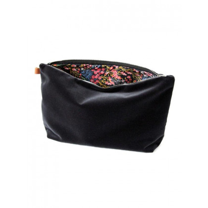 Semibasic Lush Pocket 34x20 cm - sort